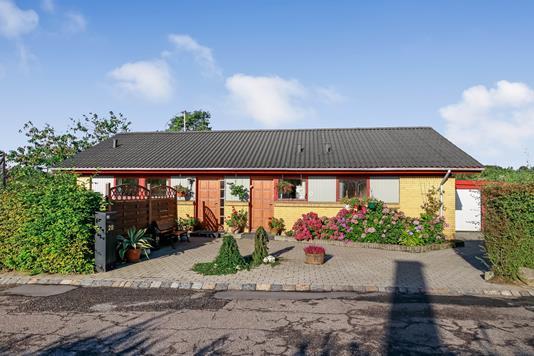 Villa på Parkvej i Vissenbjerg - Set fra vejen