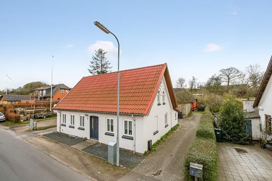 Villa på Lergyden i Vissenbjerg - Ejendommen