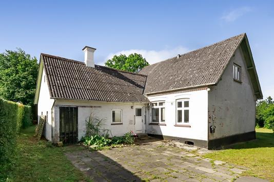 Villa på Frøbjergvej i Aarup - Ejendommen