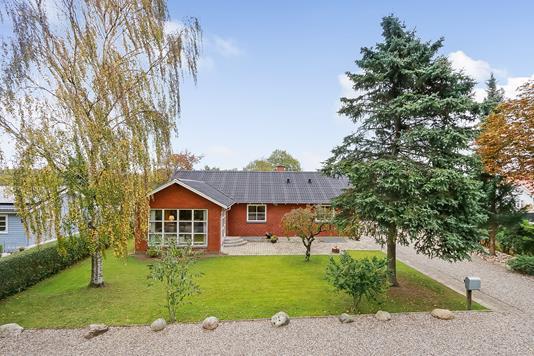 Villa på Jernbanegade i Vissenbjerg - Ejendommen