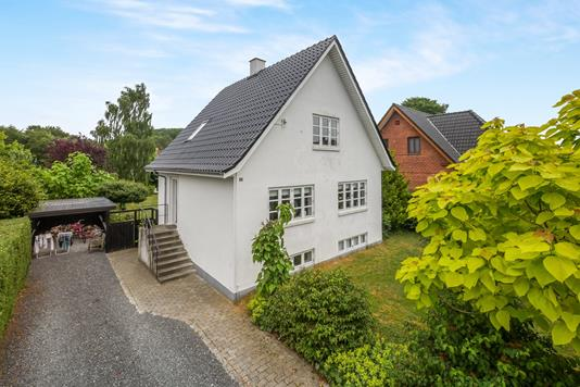 Villa på Vissenbjergvej i Tommerup - Ejendommen