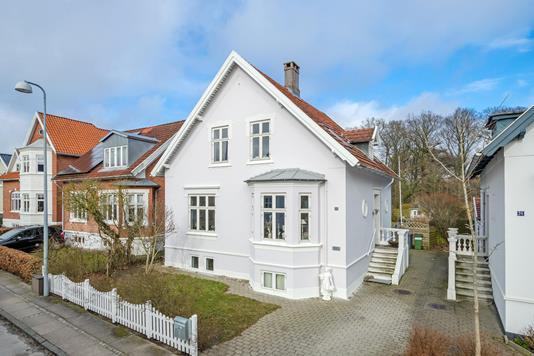 Villa på Lindevej i Odense SV - Ejendommen