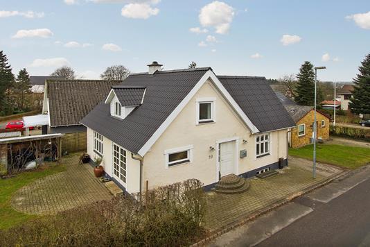 Villa på Holmstrupvej i Odense SV - Ejendommen