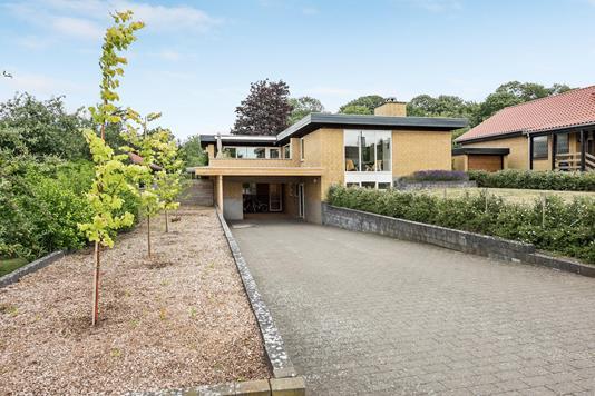 Villa på Skovbakken i Odense S - Ejendommen