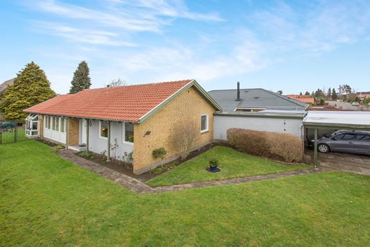 Villa på Askvej i Odense SV - Ejendommen