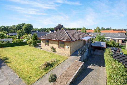 Villa på Bellingehøjen i Odense SV - Ejendommen