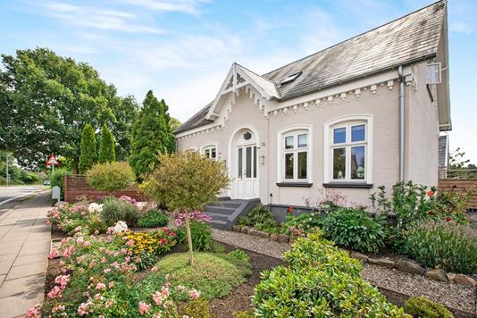 Villa på Hjallesegade i Odense S - Ejendommen