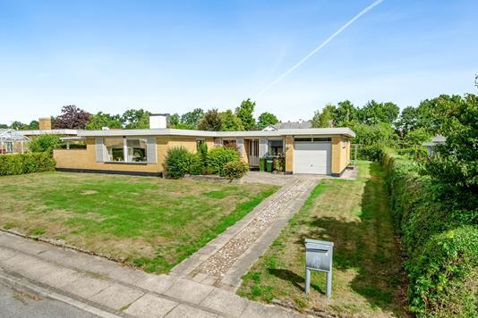 Villa på Lundekærsvej i Odense SV - Ejendommen