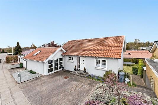 Villa på Rosenvej i Odense SV - Ejendommen