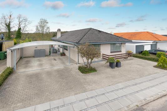Villa på Rulkehøjen i Odense S - Ejendommen
