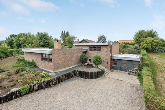 Villa på Bjergmarken i Odense S - Ejendommen