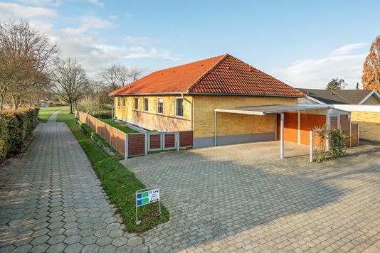Villa på Abels Allé i Odense SV - Ejendommen