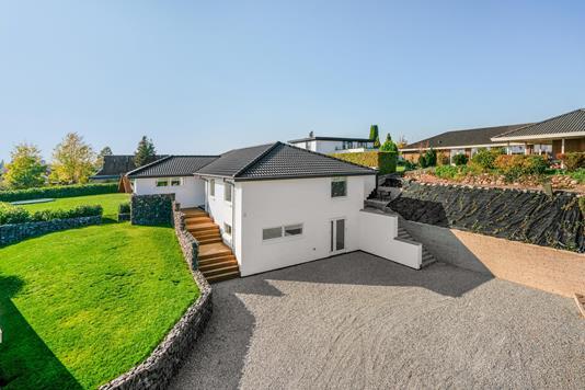 Villa på Elmegårdvænget i Odense SV - Ejendommen