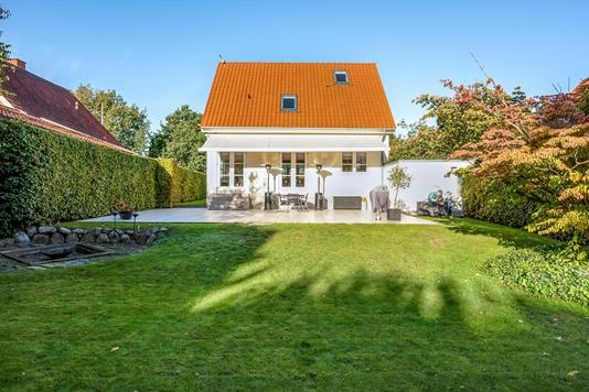 Villa på Ingrids Allé i Odense SV - Ejendommen