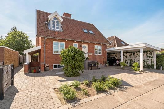 Villa på Ingolfs Allé i Odense SV - Facade