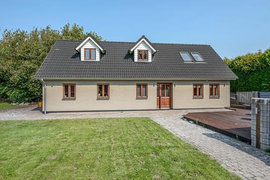 Villa på Østergade i Vissenbjerg - Ejendommen