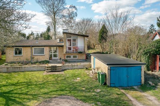Villa på Holmstrupvej i Odense SV - Have