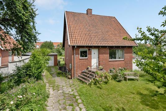 Villa på Bergendals Allé i Odense SV - Ejendommen