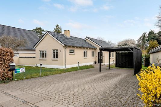 Villa på Travbanevej i Odense SV - Ejendommen