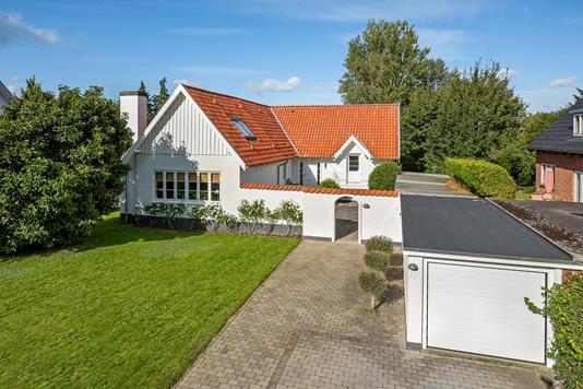 Villa på Carl Baggers Allé i Odense SV - Ejendommen
