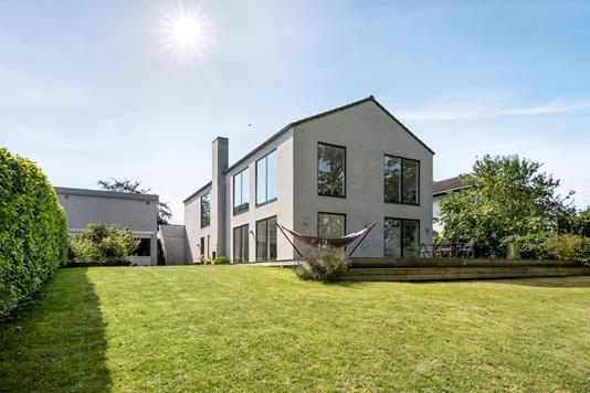 Villa på Åbakken i Odense SV - Ejendommen