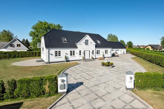 Villa på Pileurten i Otterup - Ejendommen