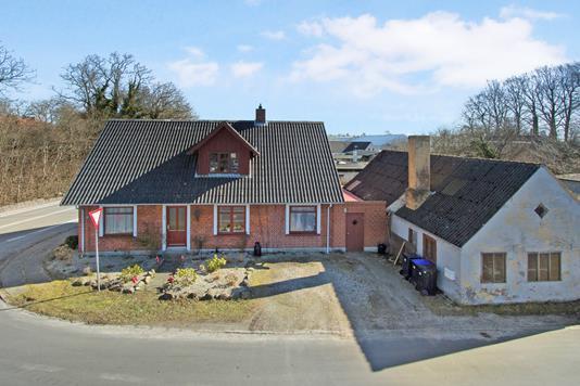 Villa på Stationsvej i Otterup - Ejendommen