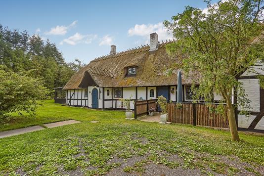 Villa på Allestedgårdsvej i Broby - Ejendommen
