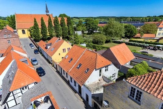 Villa på Kirkestræde i Faaborg - Ejendommen