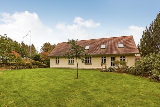 Villa på Bobjergvej i Broby - Ejendommen