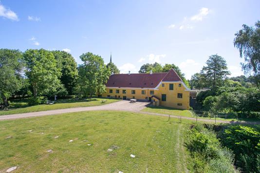 Villa på Reventlowsvej i Faaborg - Ejendommen