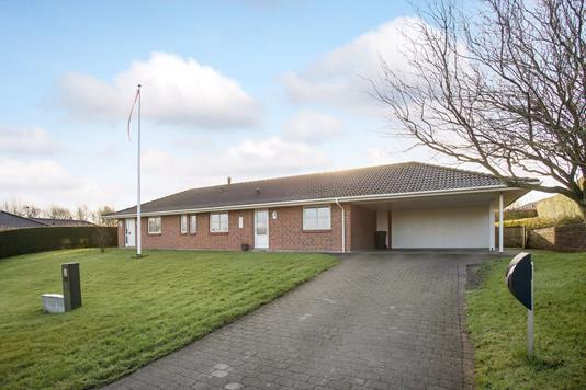 Villa på Møllegårdsvænget i Broby - Ejendommen