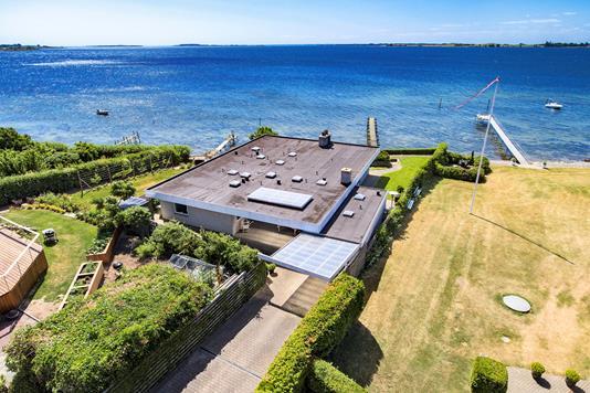 Villa på Fjordtoften i Faaborg - Luftfoto