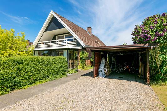Villa på Strandgårdsparken i Faaborg - Carport