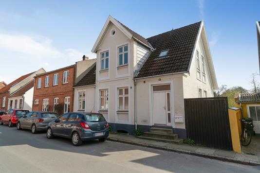 Villa på Priorensgade i Faaborg - Set fra vejen
