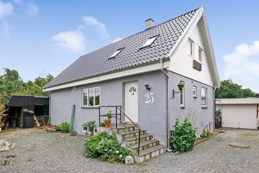 Villa på Faaborgvej i Gislev - Ejendommen