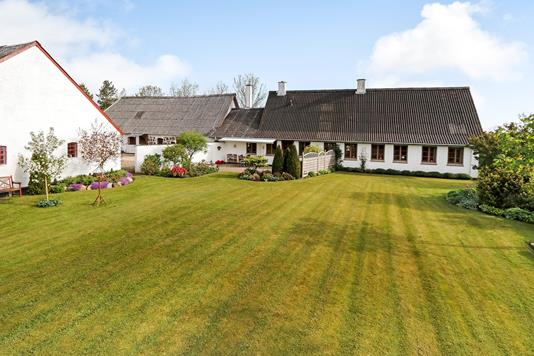 Landejendom på Søltvej i Gislev - Have