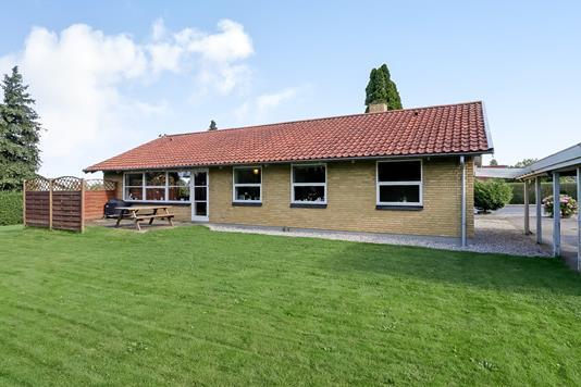 Villa på Hyldevænget i Ryslinge - Ejendommen
