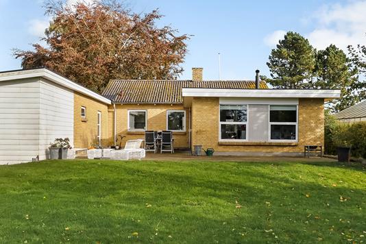 Villa på Tegldamsgyden i Årslev - Ejendommen