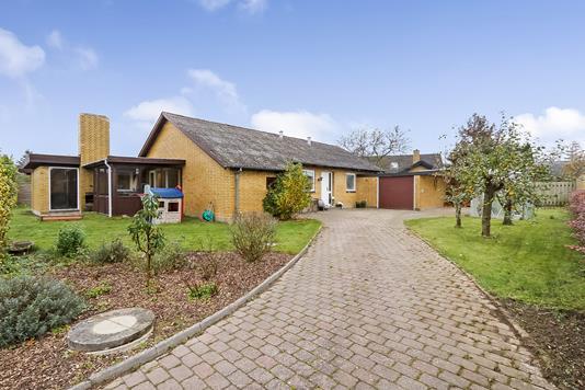 Villa på Løkkevej i Ringe - Ejendommen