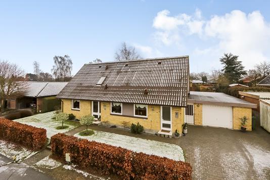Villa på Mellemager i Ringe - Ejendommen