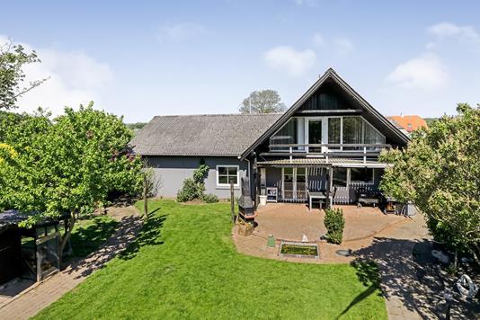 Villa på Vejlegårdsvej i Broby - Ejendommen