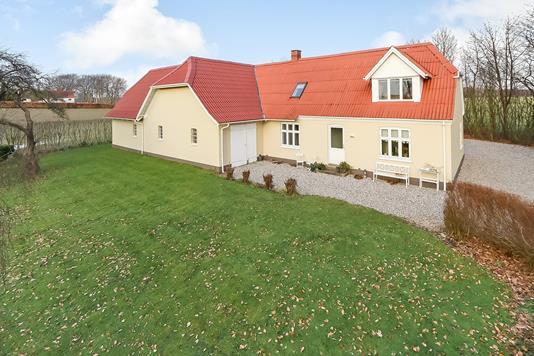 Villa på Snarupvejen i Ringe - Ejendommen