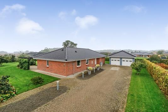 Villa på Skovager i Ringe - Ejendommen