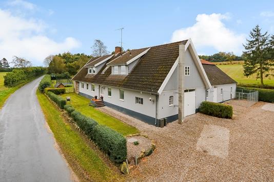 Villa på Gl. Stenderupvej i Broby - Ejendommen