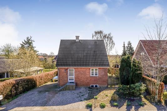 Villa på Fruelundsvej i Ringe - Ejendommen