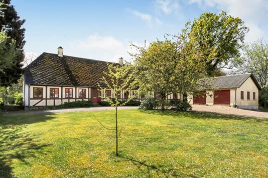 Villa på Kirkevej i Årslev - Have