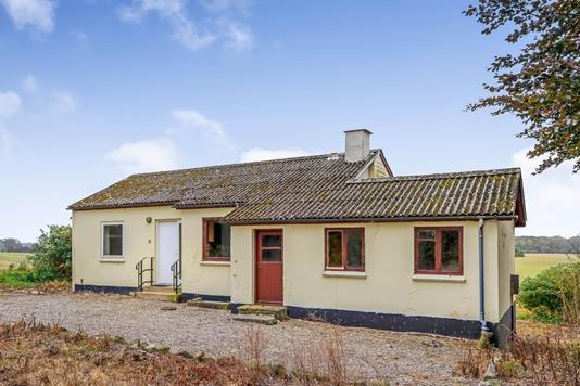 Villa på Hovedvejen i Stenstrup - Ejendommen