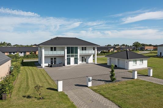 Villa på Vejrhanen i Odense NØ - Ejendommen