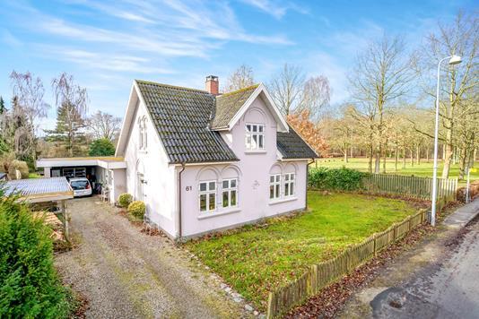 Villa på Fraugdevej i Odense SØ - Ejendommen